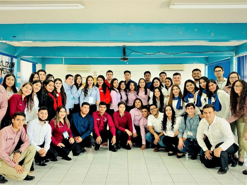Innovan estudiantes con proyectos