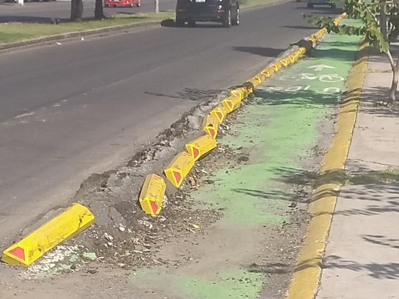 Inservibles ciclovías en Juriquilla