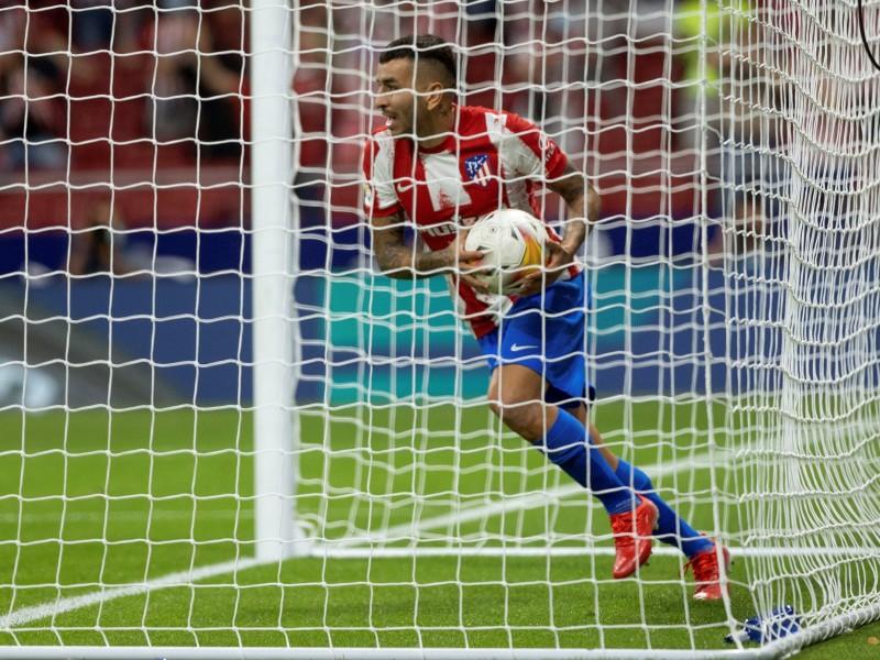 Insólito autogol da empate al Atlético de Madrid