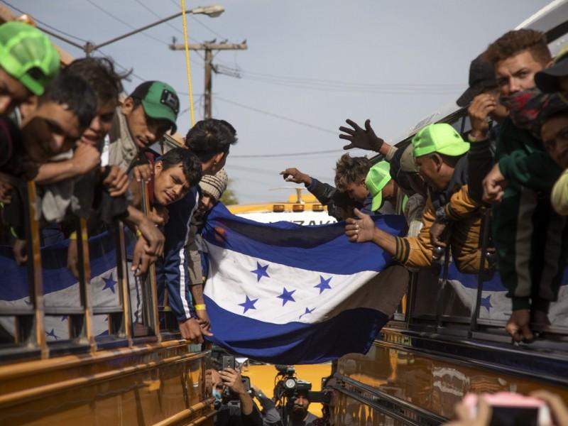 Instala Honduras consulado móvil en Tijuana
