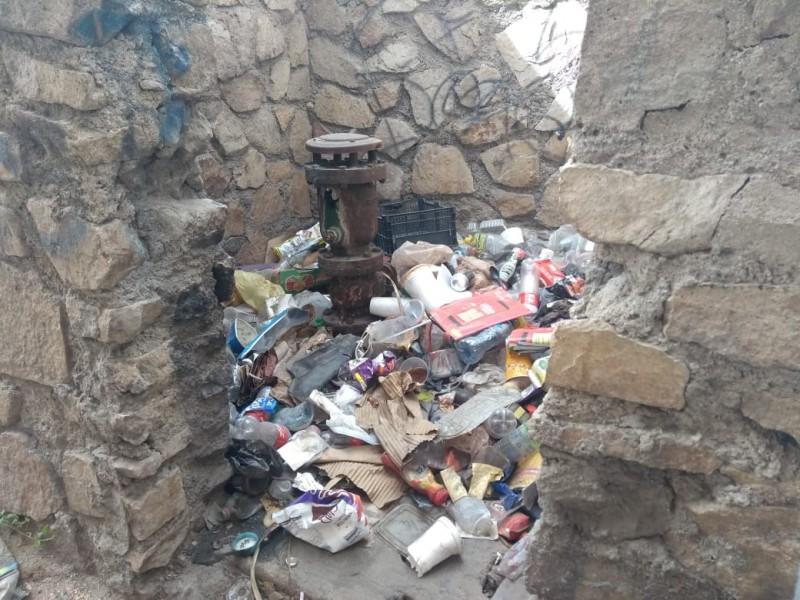 Instalación de OOMSAPAS convertido en basurero