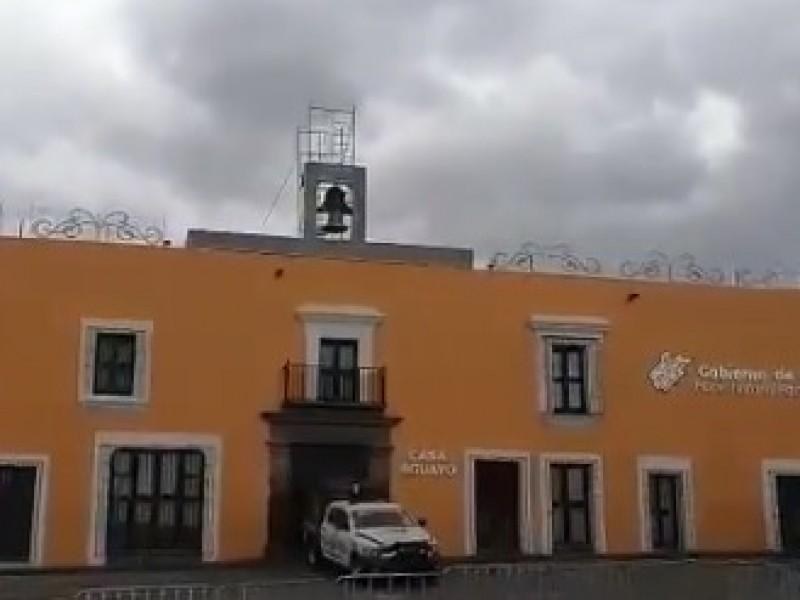 Instalan campana en Casa Aguayo para el grito de Independencia