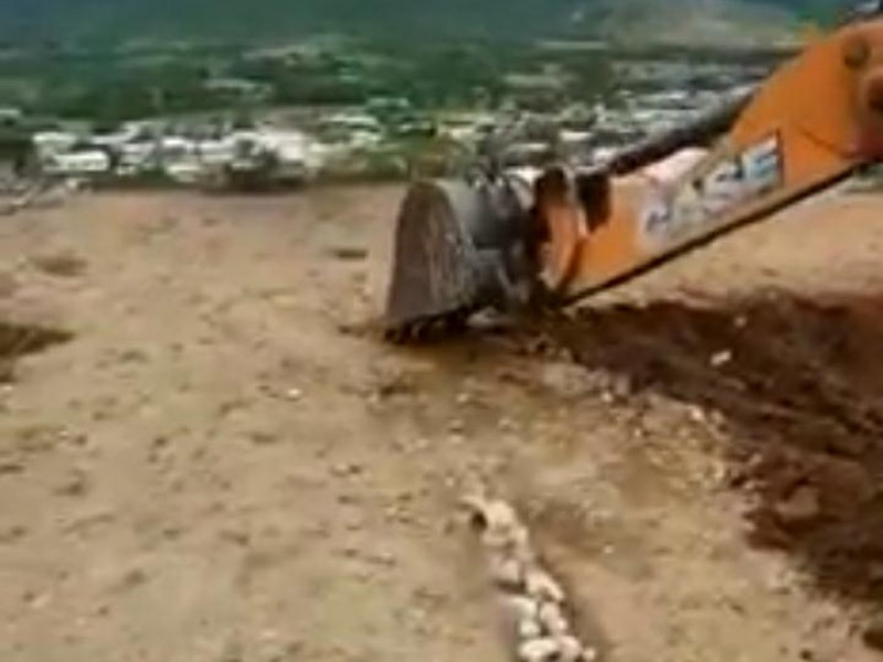 Instalan filtro en acceso a Aguililla; en contraste, destruyen helipuerto