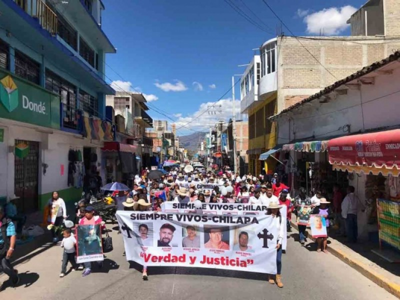 Integrantes de la familia LeBarón marcharon en Chilapa