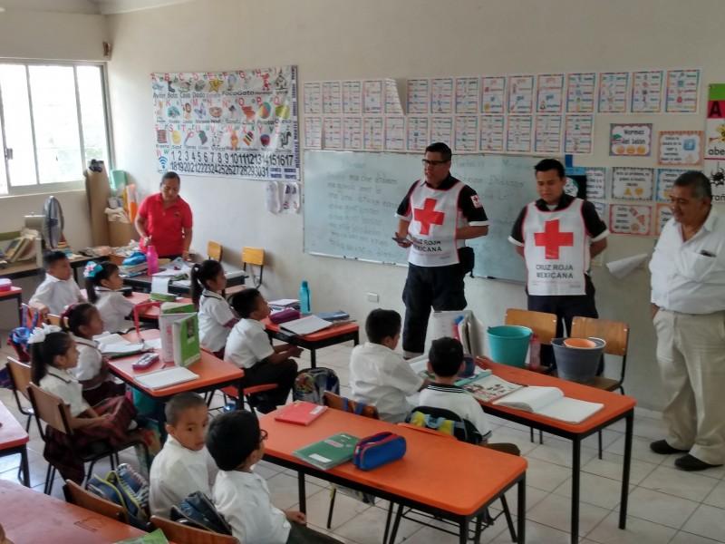Intensifican métodos de prevención en primarias de Tehuantepec