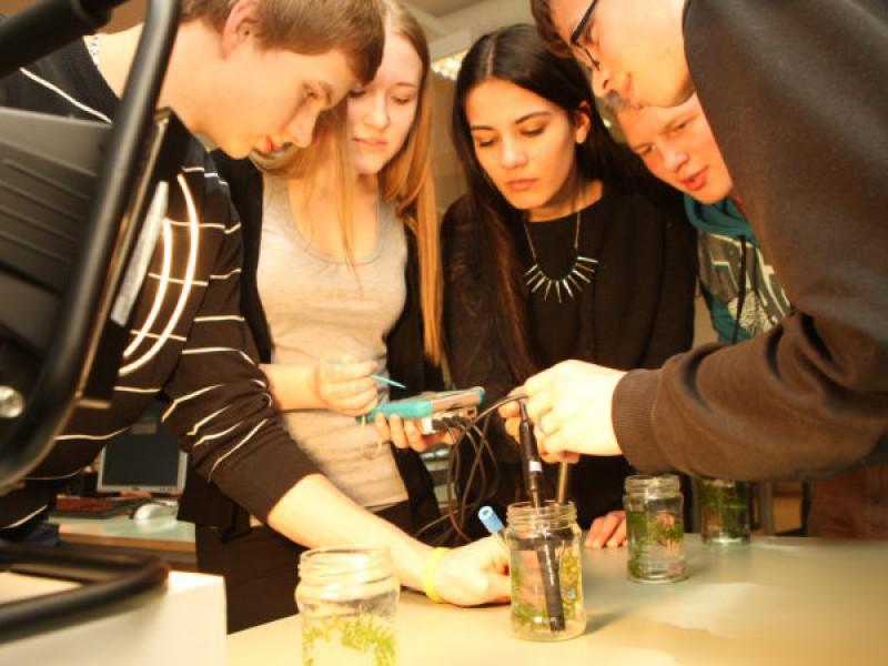 Interesa a jóvenes la ciencia y tecnología
