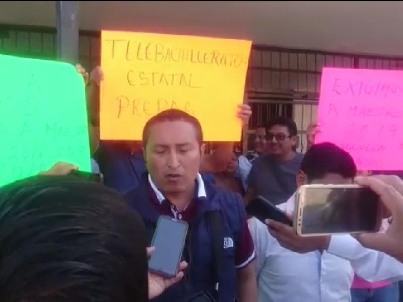 Interinos reclaman a gobierno estatal falta de pagos