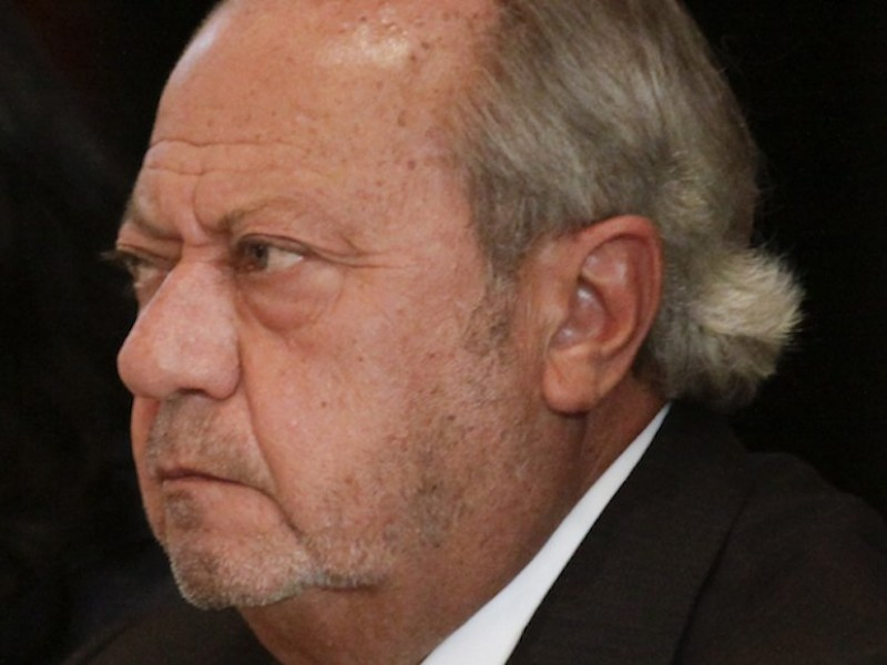 Interpol ya busca a Carlos Romero Deschamps.
