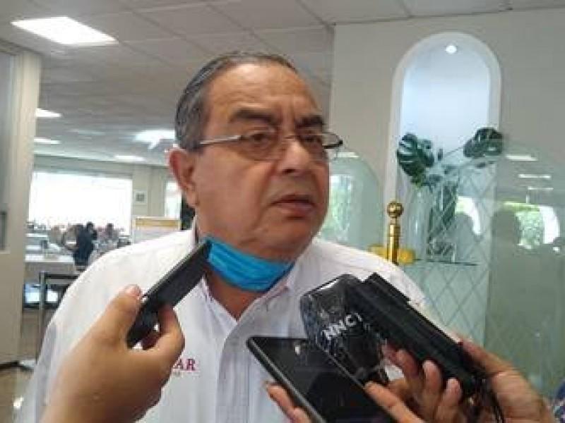 Interpone queja ante MORENA Manuel Peraza por designación de Navarro