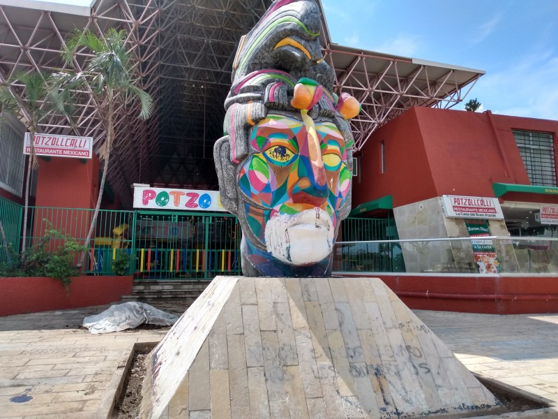 Intervienen monumento Cabeza Maya será blanca