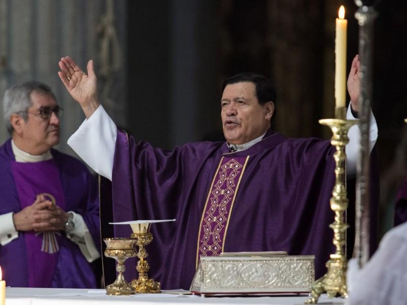Intuban al cardenal Norberto Rivera por Covid-19