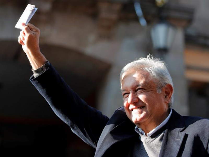 Investidura de López Obrador reúne a personalidades