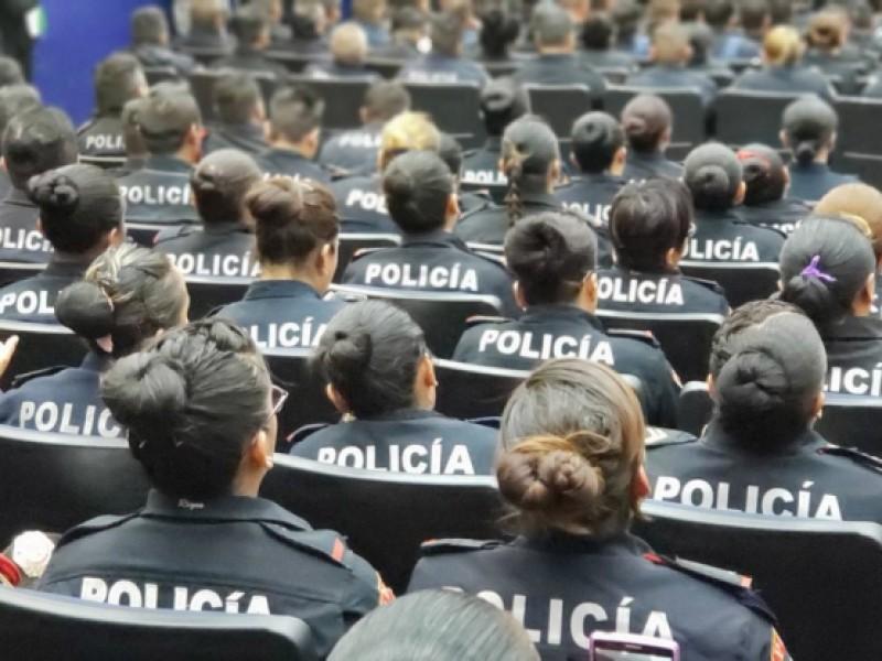 Investigan agresión a mujer policía en CDMX