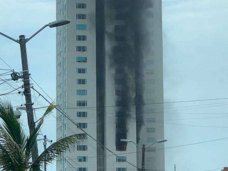 Investigan peritos de la FGE las causas del incendio