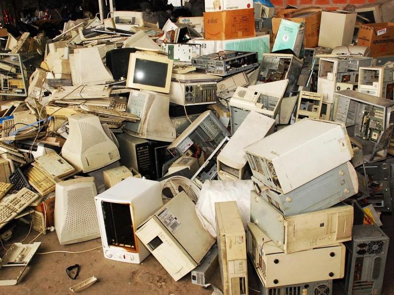 Invitan a donar computadoras y accesorios electrónicos