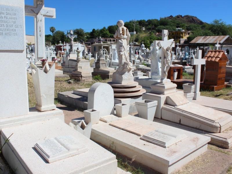 Invitan a tramitar permisos para venta ambulante en cementerios locales