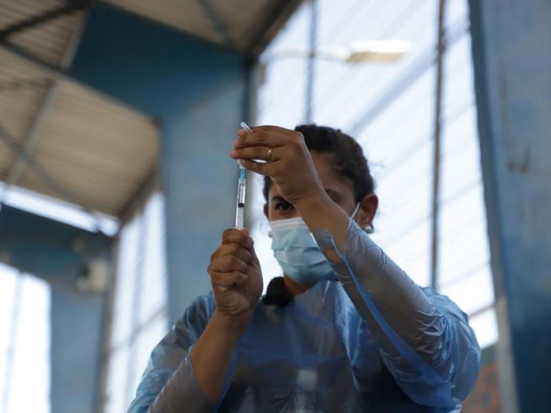 Israel comienza a vacunar a estudiantes adolescentes