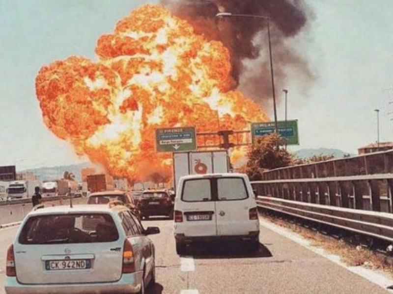 Italia: 2 muertos por explosión de camión cisterna