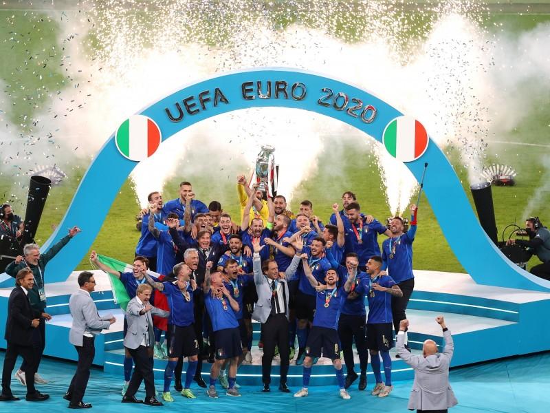 Italia alcanzó la gloria desde los penalties