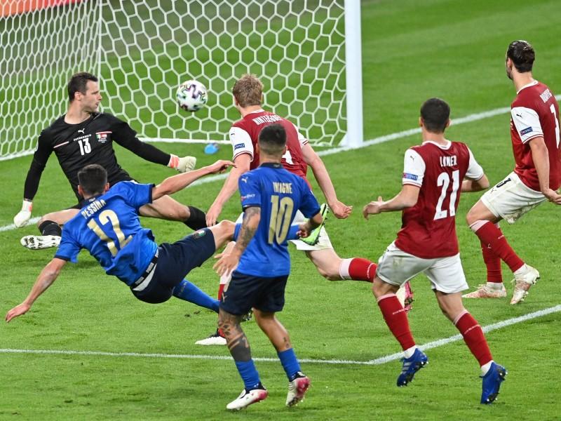 Italia necesitó de los tiempos extra para vencer a Austria