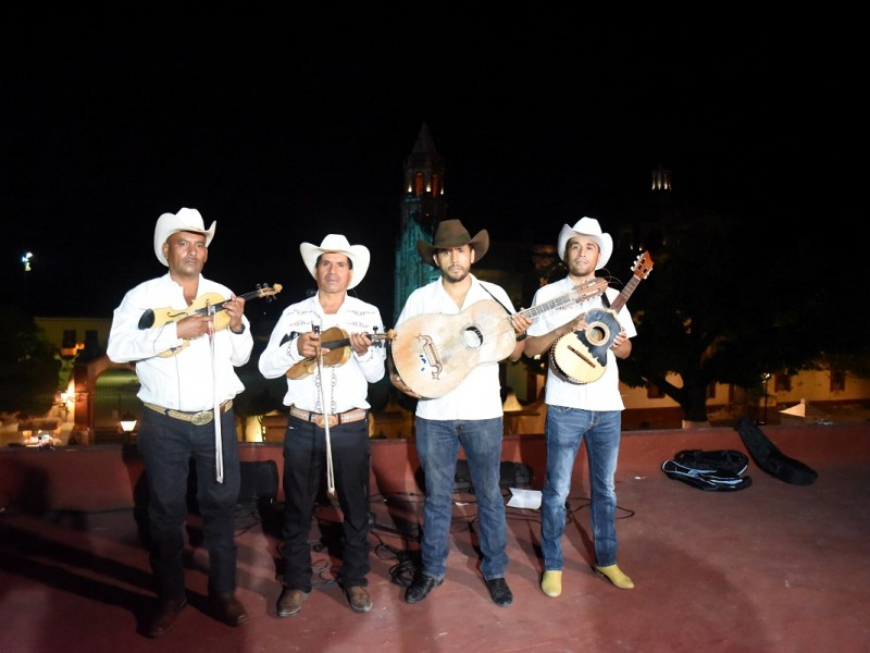 Jalpan presente en la XXI Edición del Festival de Santiago