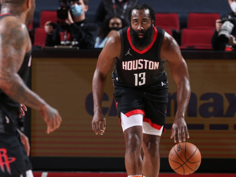 James Harden deja a los Rockets