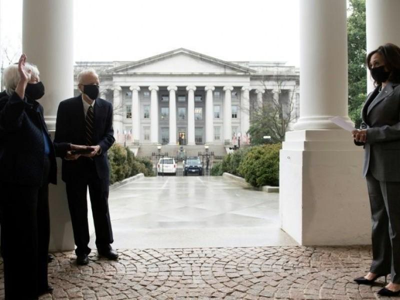 Janet Yellen jura como secretaria del Tesoro de Estados Unidos