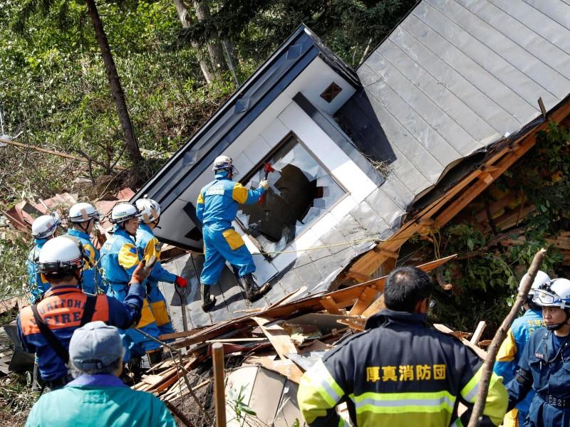 Japón: 9 muertos y 30 desaparecidos por sismo