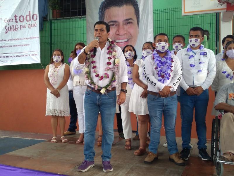 Javier Miralrío cierra campaña electoral en La Noria
