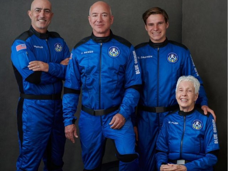 Video: Jeff Bezos cumplió el sueño de viajar al espacio