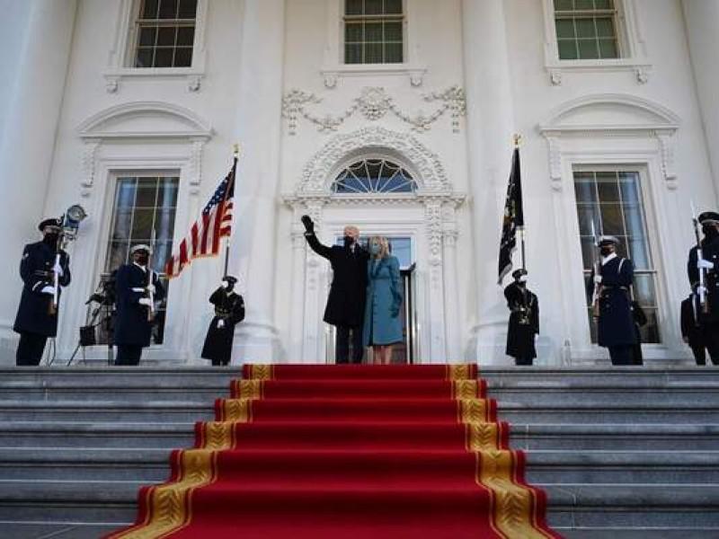 Joe Biden llega a la Casa Blanca con su familia