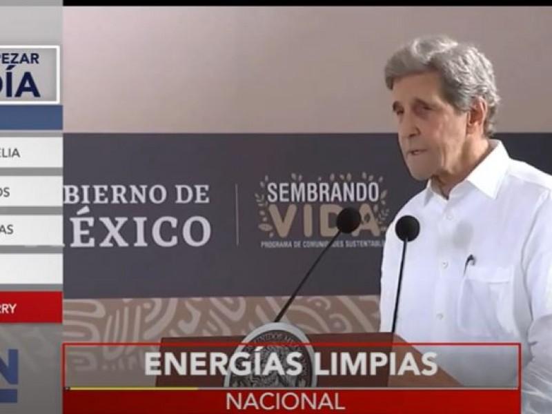John Kerry pide a México apostar por energías limpias