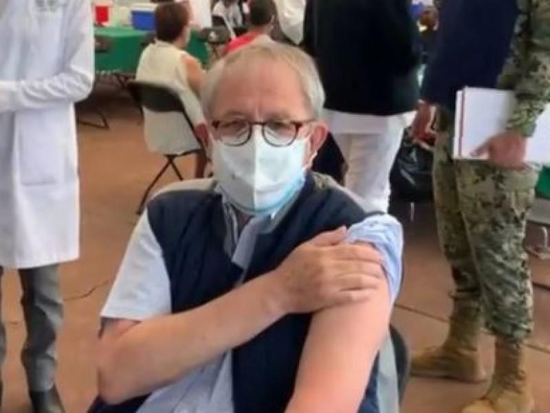 Jorge Alcocer, secretario de Salud es vacunado contra Covid-19