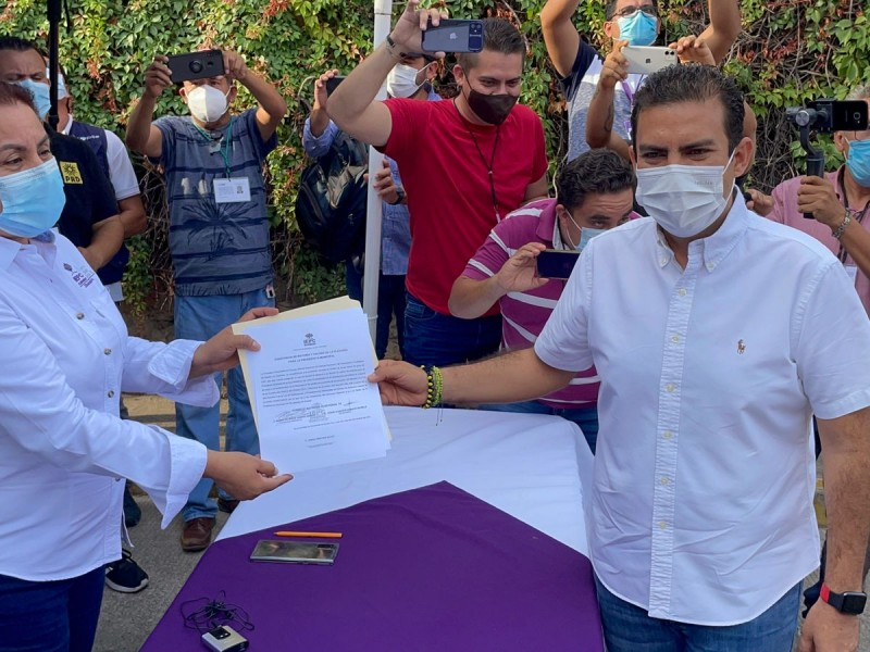 Jorge Sánchez recibe constancia de mayoría de alcalde electo