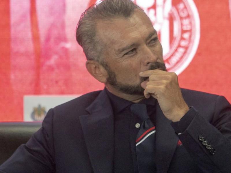 José Luis Higuera queda fuera de Chivas