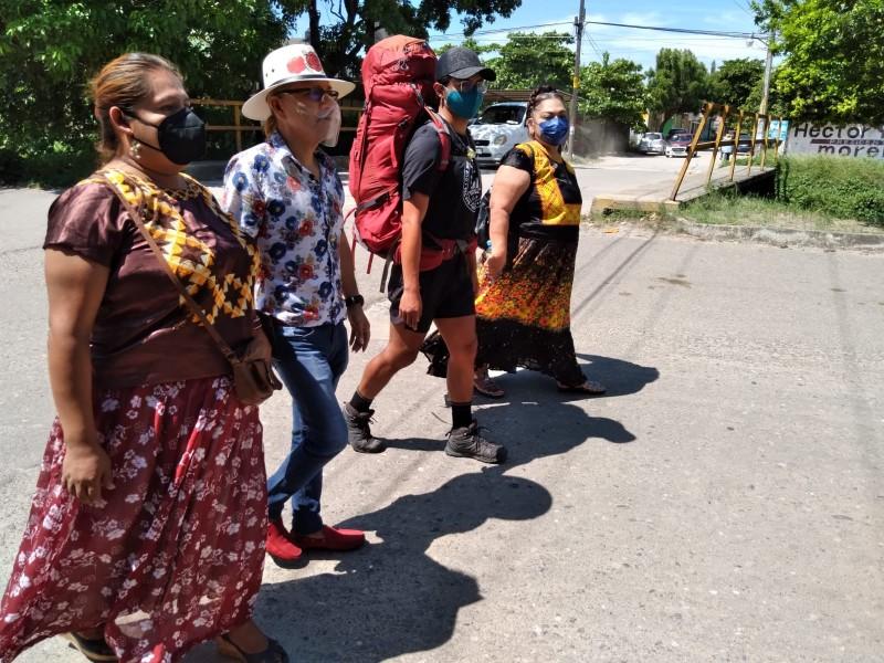 Joven mexicano recorrerá caminando las 7 maravillas del mundo