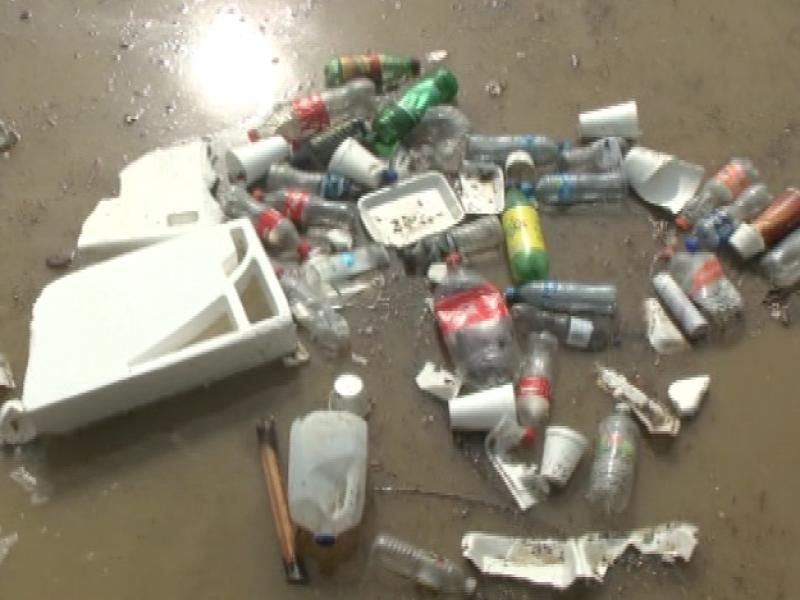 Joven presenta proyecto, evitará basura llegue al mar