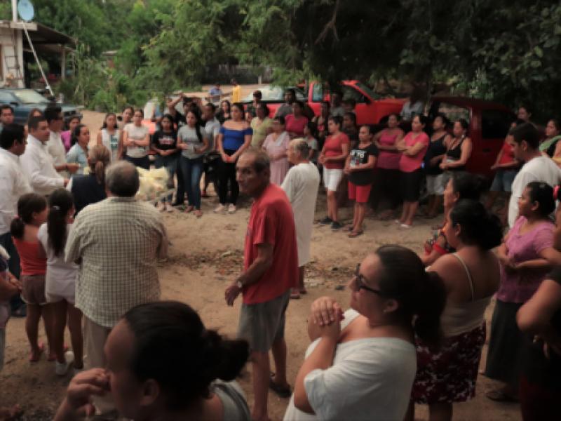 Jóvenes brindan apoyo a comunidades afectadas por