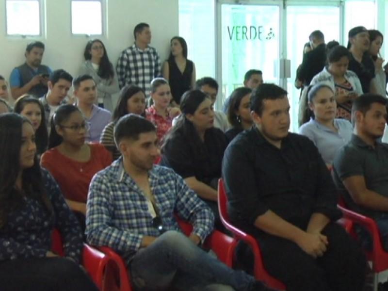 Jóvenes buscarán oportunidades en México, no descartan EUA
