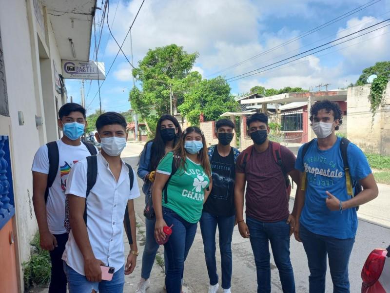 Jóvenes listos para jornada de vacunación en Tuxpan