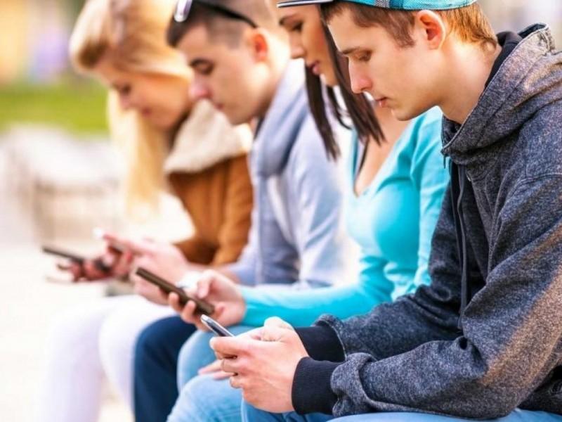 Jóvenes sufren violencia digital