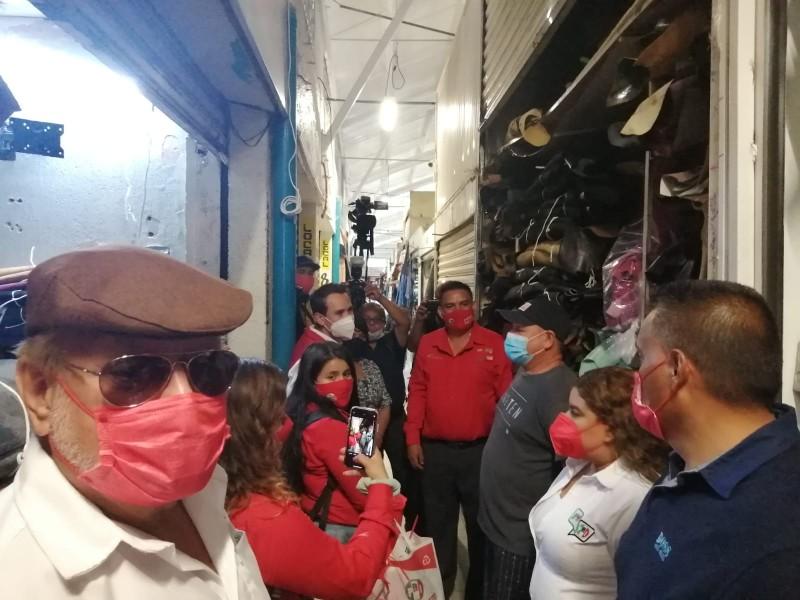 Juan Pablo Marún visita Mercado la Luz