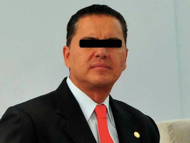 Juez admitió recurso de amparo a defensa del ex gobernador
