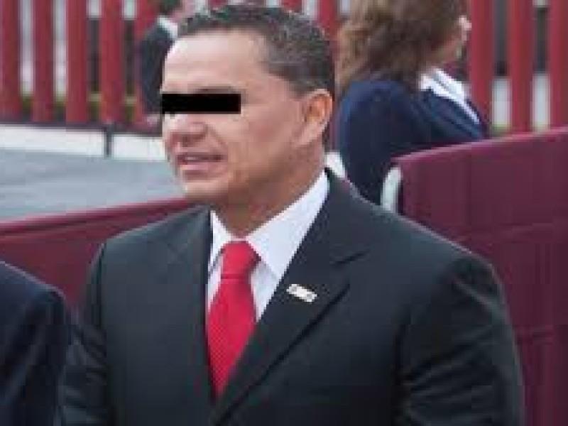 Juez dicta auto de vinculación a ex gobernador Roberto