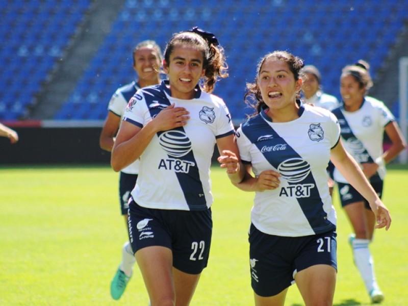 Jugadoras Club Puebla femenil, vencedoras en derbi poblano
