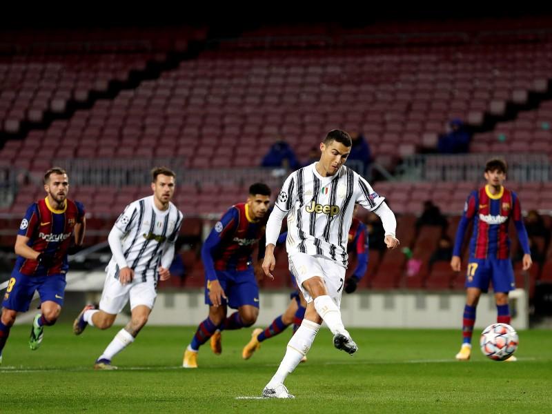 Juventus goleó al Barcelona y aseguró liderato