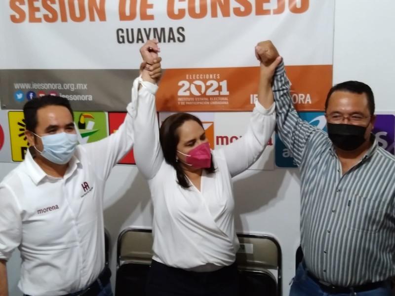 Karla Córdova recibe acta de mayoría como alcaldesa electa
