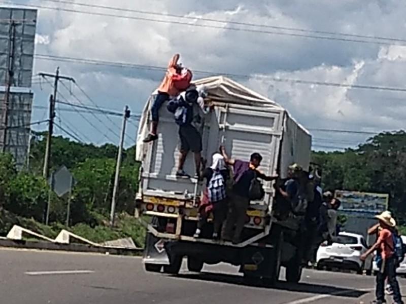 La caravana de Migrantes avanza hacía Huixtla