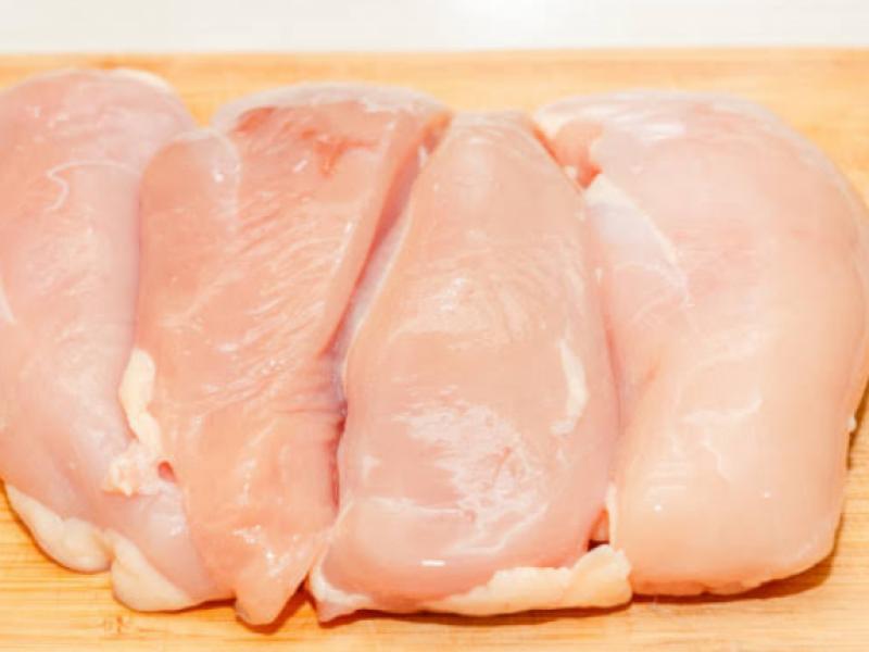 La milanesa de pollo incrementa a 140 pesos