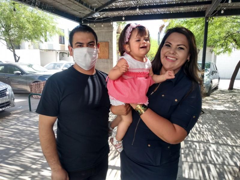 La niña Celeste necesita ayuda para recibir implantes cocleares